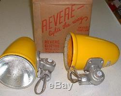 (1) NOS 1954 SHELL OIL Porcelain Sign Lights Yellow Industrial Gas Station vtg