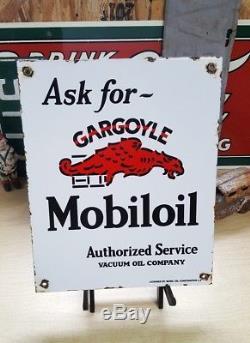 Mobiloil gargoyle porcelain sign MOBIL pegasus vintage oil mobilgas pump plate