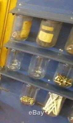VINTAGE AC SPARK PLUG DISPLAY With17 ORIGINAL GLASS JARS SIGN ADVERTISING OIL GAS