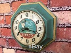 Vtg Gilbert Texaco Oil Man Old Advertising Gas Station Display Wall Clock Sign